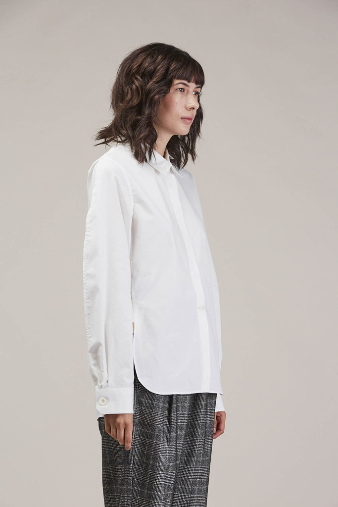 Large sleeve shirt, Chalk by Lemaire @ Kick Pleat - 4