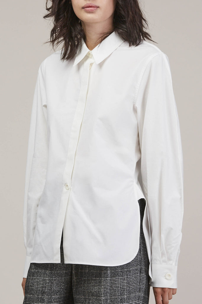 Large sleeve shirt, Chalk by Lemaire @ Kick Pleat - 3