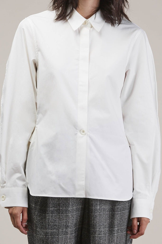Large sleeve shirt, Chalk by Lemaire @ Kick Pleat - 8