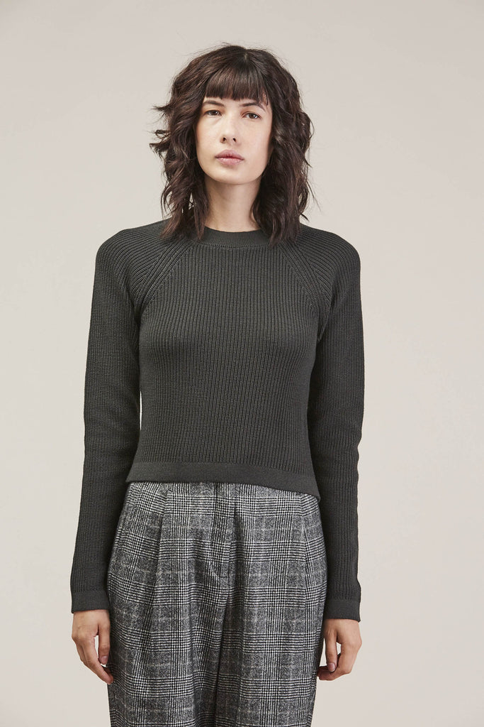 Fitted rib sweater, Lichen