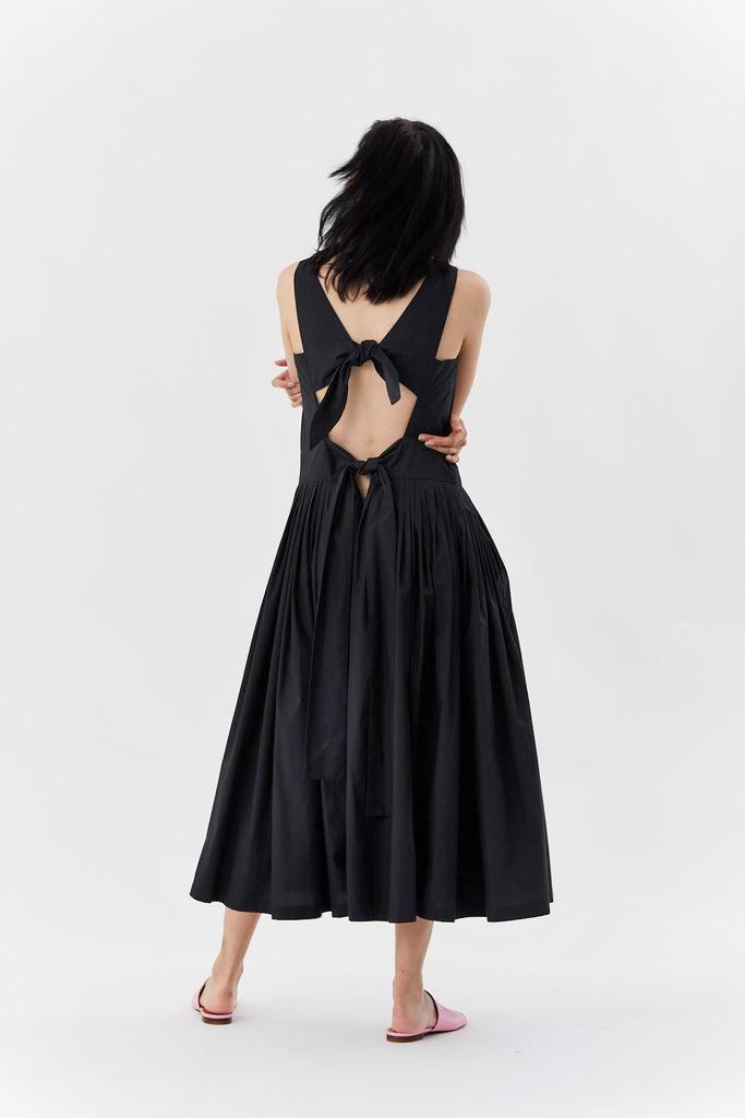 Sara Lanzi - back bows dress