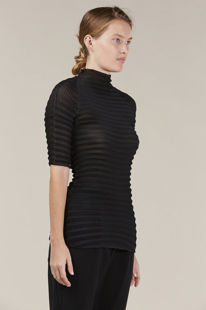 S/S turtleneck, Black by Issey Miyake @ Kick Pleat - 3