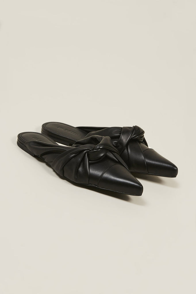 Nappa lamb closed toe shoes, Nero by JIL SANDER @ Kick Pleat - 1