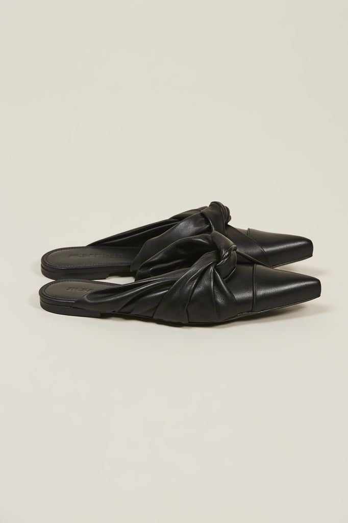 Nappa lamb closed toe shoes, Nero by JIL SANDER @ Kick Pleat - 2