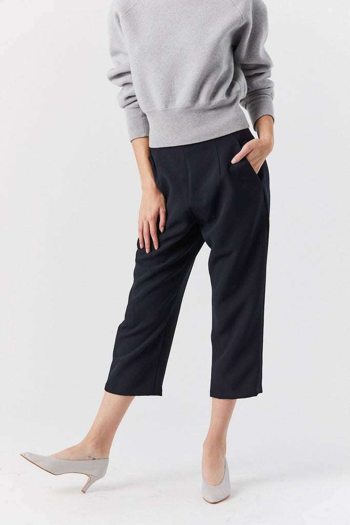 Sua Tapered Pocket Pant, Black Blue