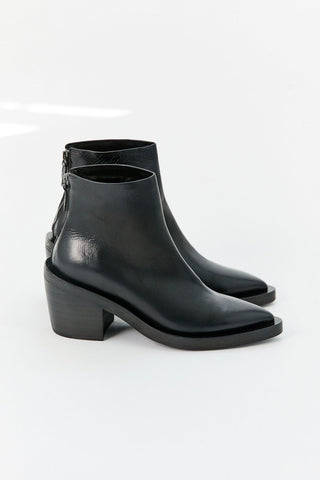 Coneros Trochetto Zip Boot, Black