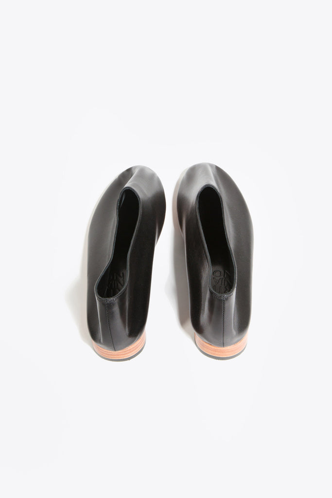 Leather Glove Flats, Black by Martiniano @ Kick Pleat - 5