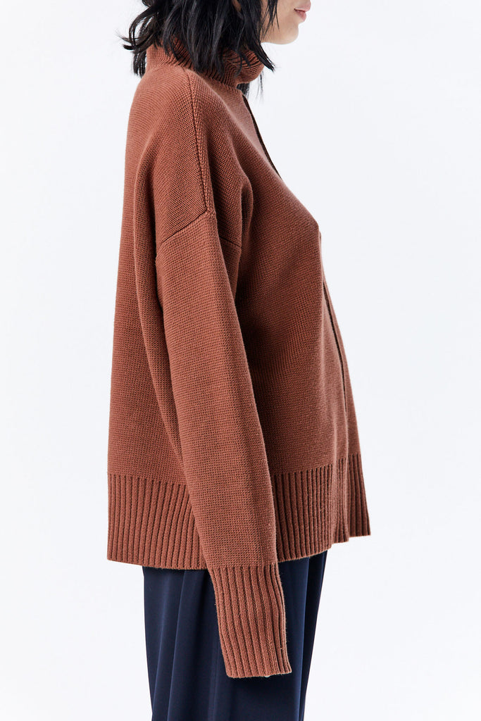 Nomia - Seam Turtleneck Sweater, Nutmeg