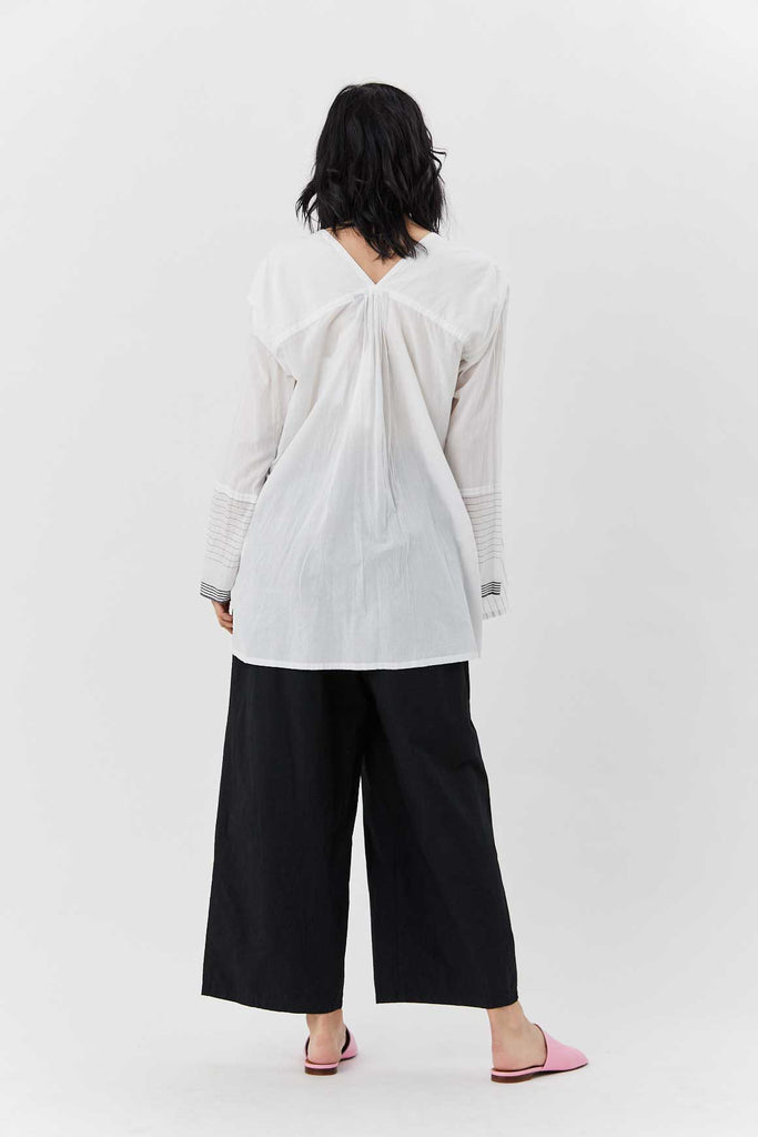 pas de calais - V-Neck Blouse, White