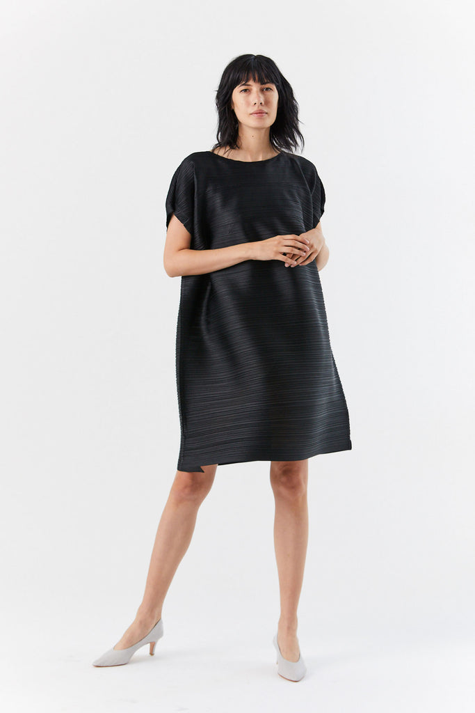 Tucked Bounce Dress, Black