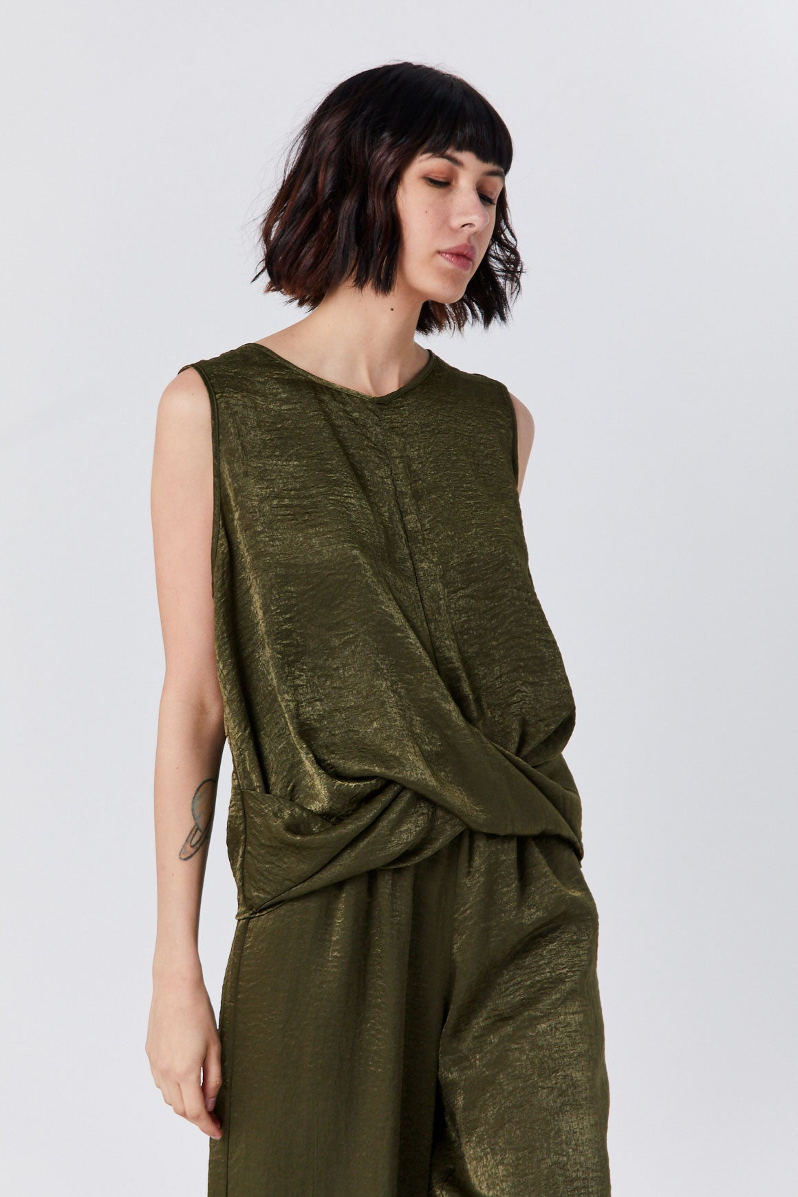 Priory - Knot Tank, Olive