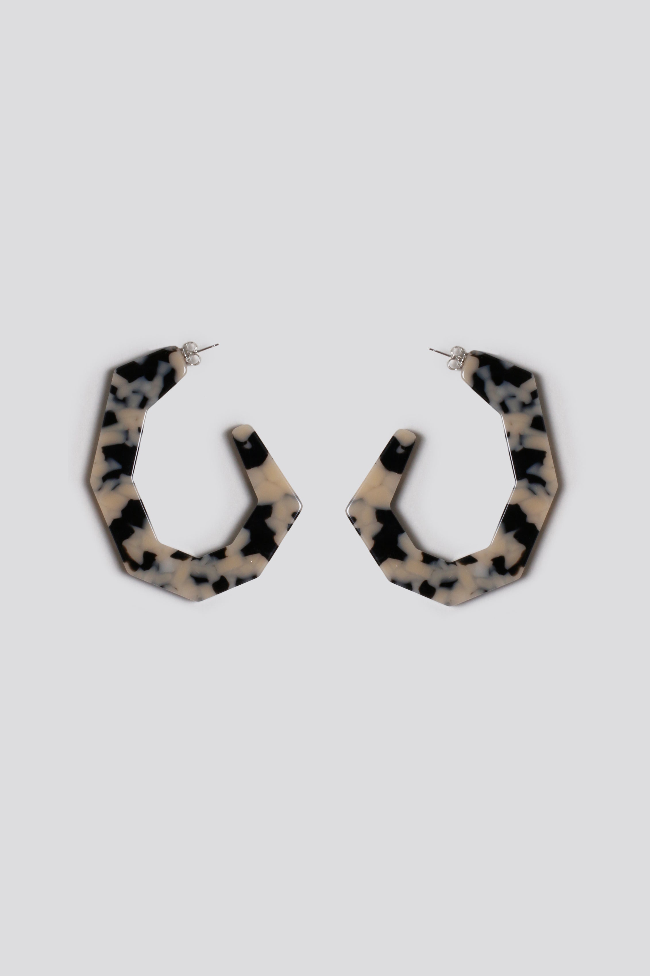 Factor earrings, dalmation