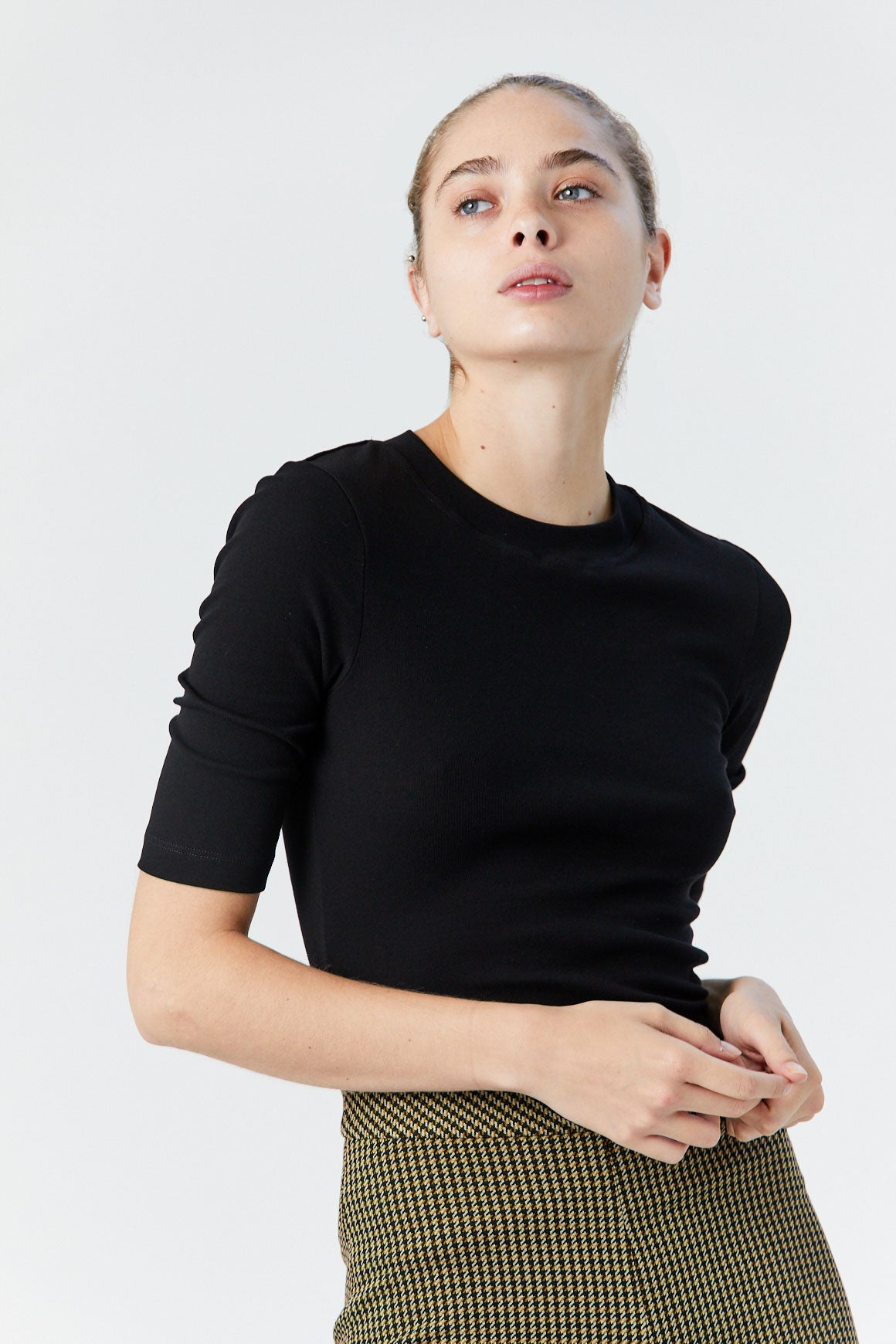 ROSETTA GETTY - Cropped Sleeve T-Shirt, Black