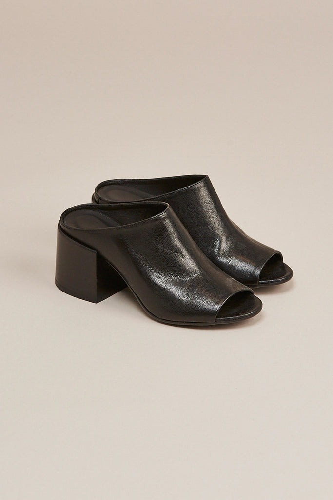 Leather mule, Black