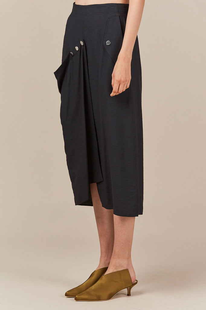 asymmetric flap skirt