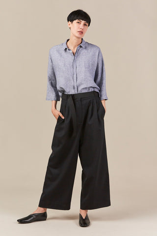 cropped pleated pant, black