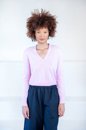 ALLUDE - v-neck sweater, rosewater