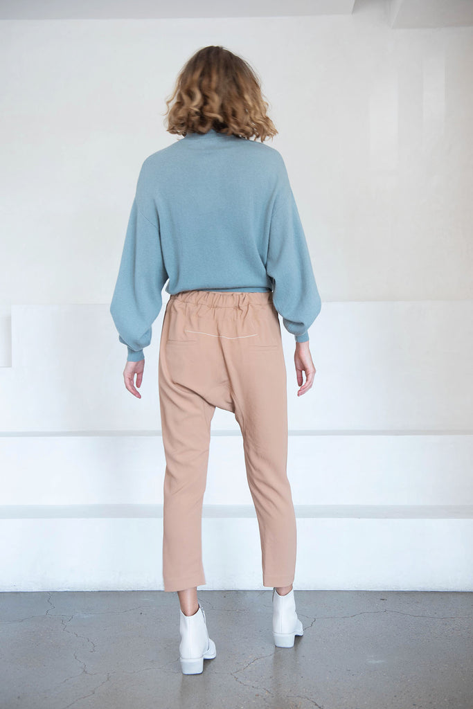 BASSIKE - relaxed pant, ochre