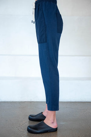 BASSIKE - contrast tapered pant, indigo