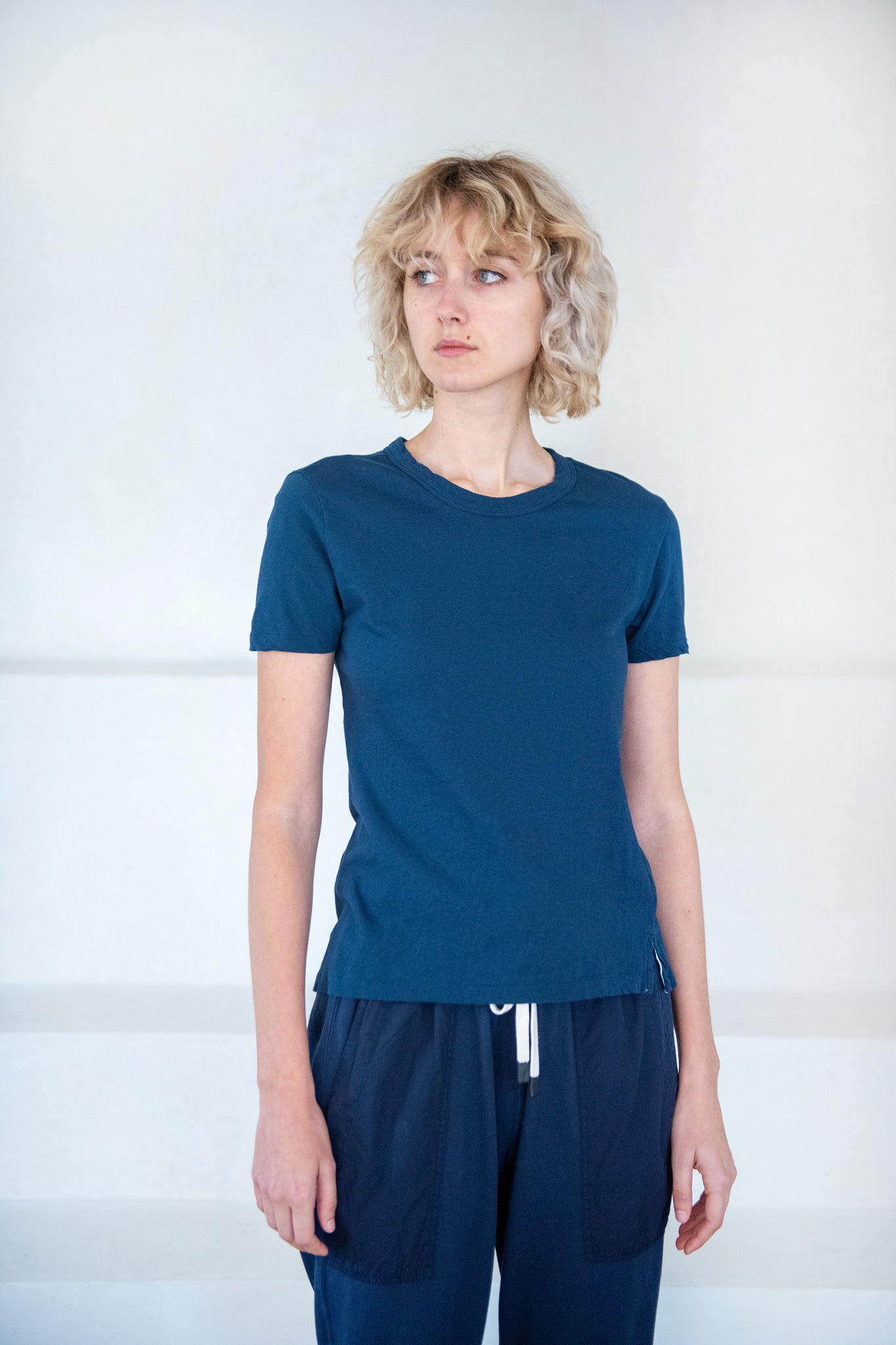 BASSIKE - slim fit t-shirt, indigo