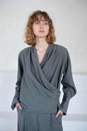 BEAUFILLE - cloak blouse, pewter