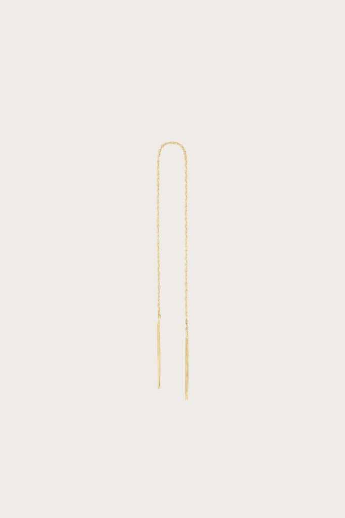 Long stitch earrings, yellow gold by Blanca Monros Gomez