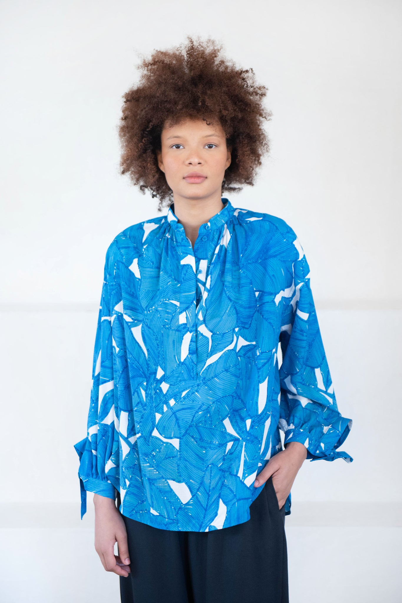 Christian Wijnants - TANNY popover shirt, blue ficus