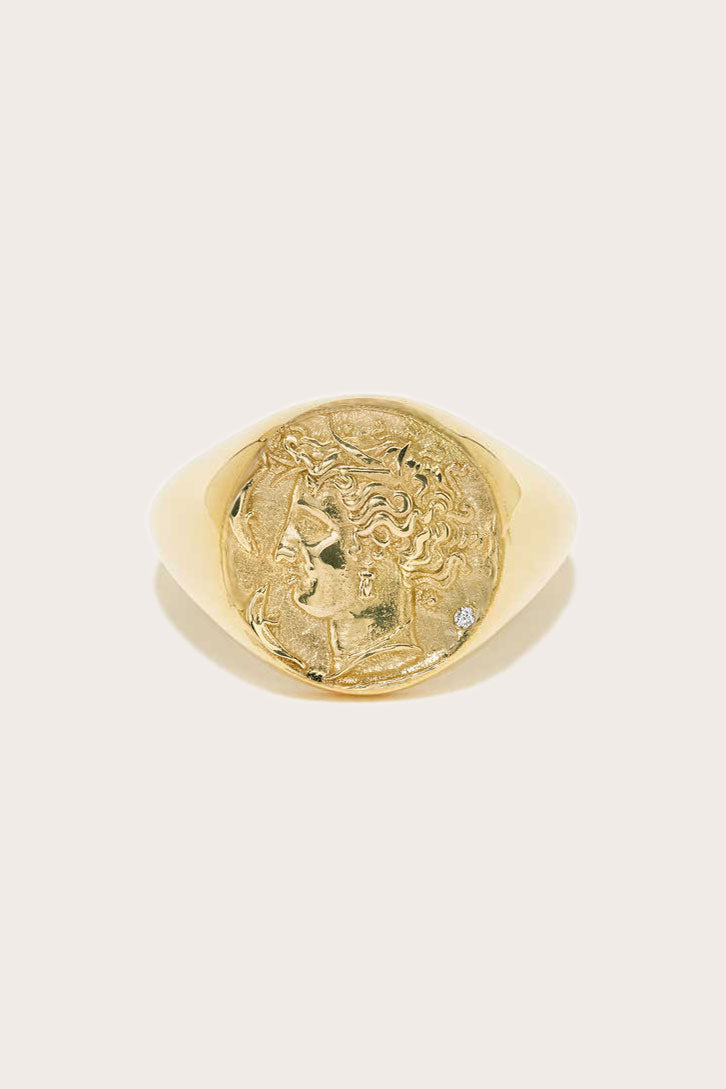 AZLEE - Goddess Signet Ring, Gold