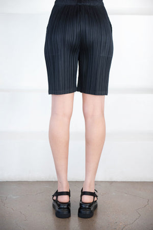 Pleats Please by Issey Miyake - thicker bottoms shorts, black