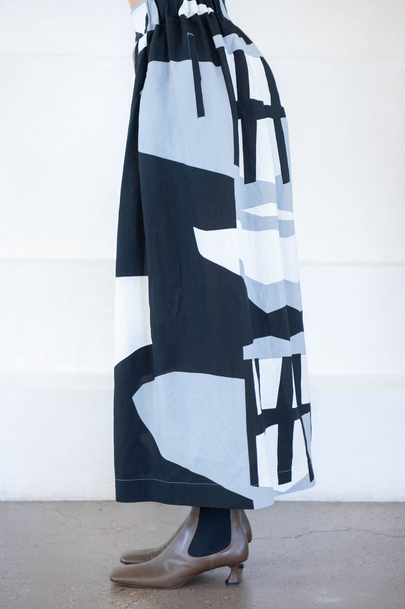 Issey Miyake - cut out pant, black and white