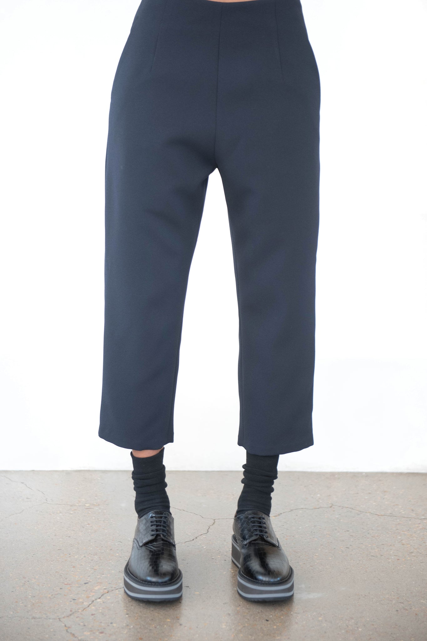 KAAREM - sua tapered pocket pant, black blue