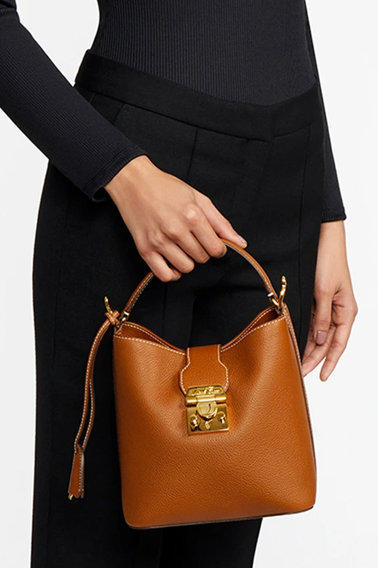 MURPHY SMALL BUCKET BAG, tumbled grain acorn