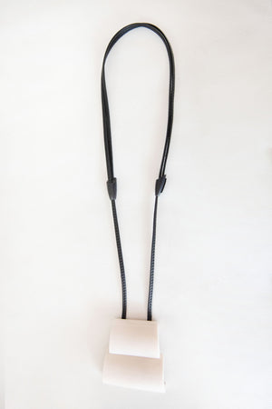 BONE+LEATHER NECKLACE, white