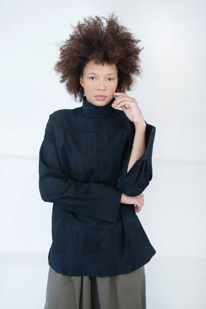 Nomia - oversized mock neck shirt, black