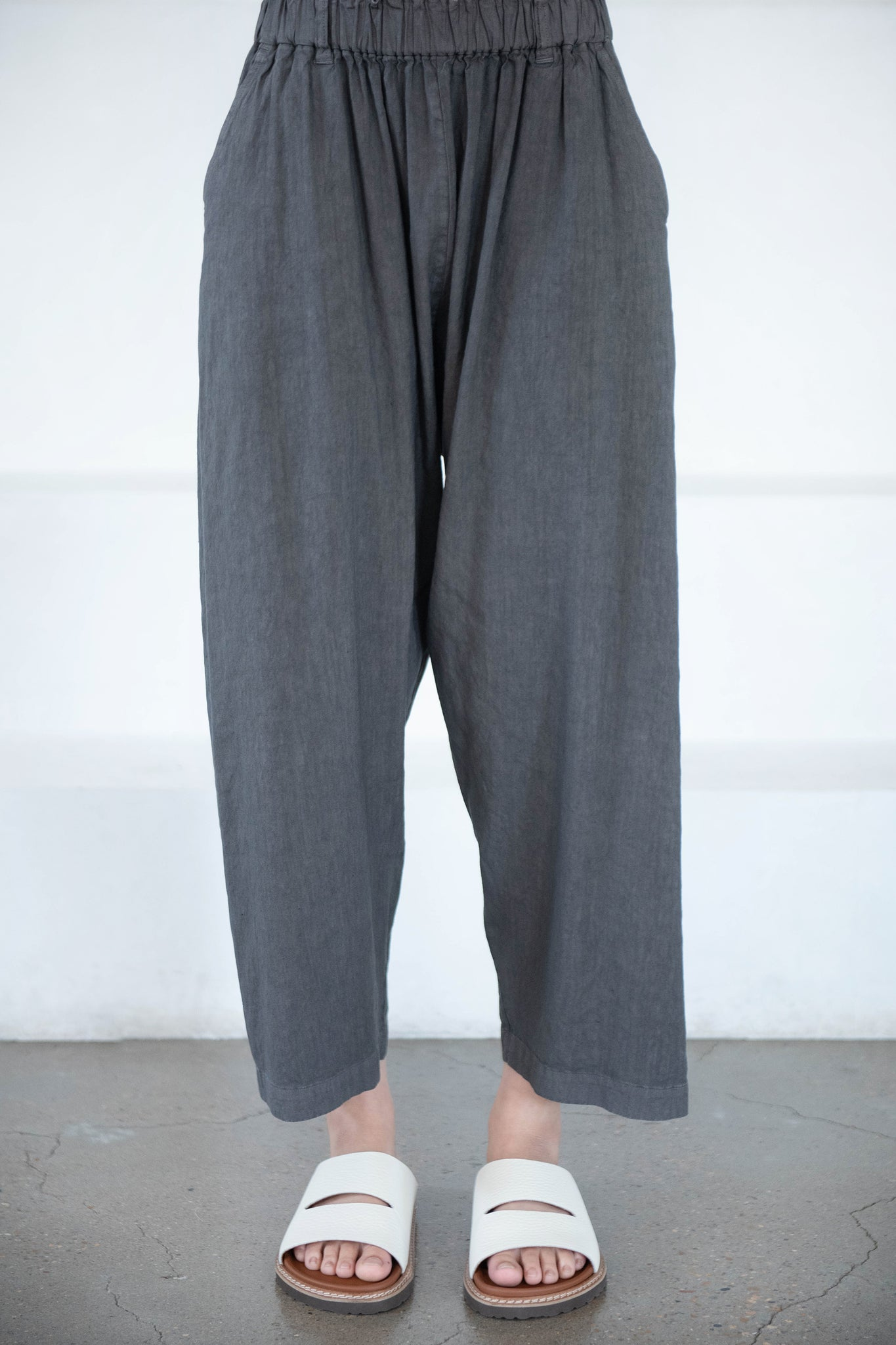 pas de calais - pants, gray
