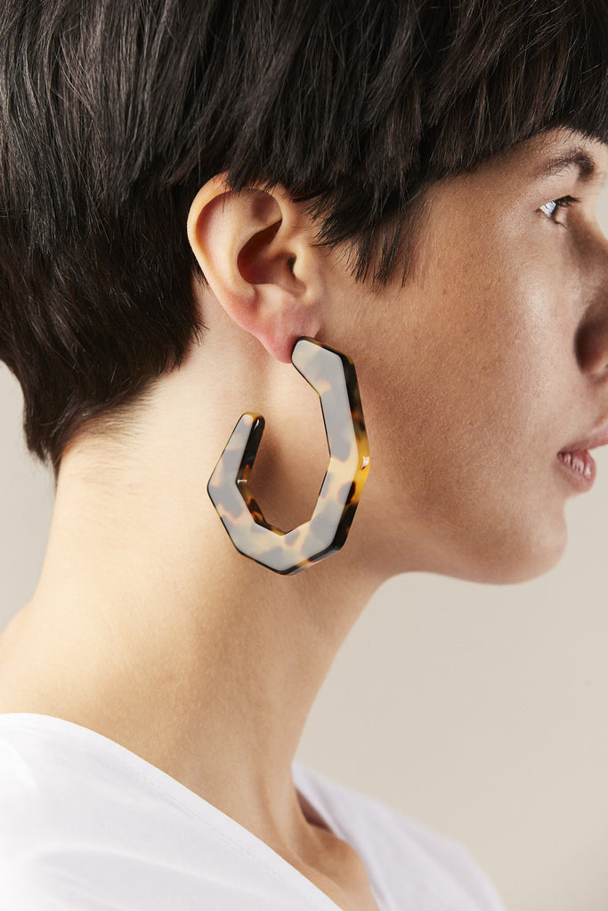 Factor earrings, Tortoise - Rachel Comey