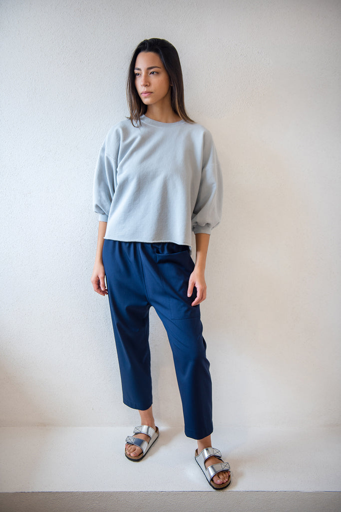 fond sweatshirt, blue grey