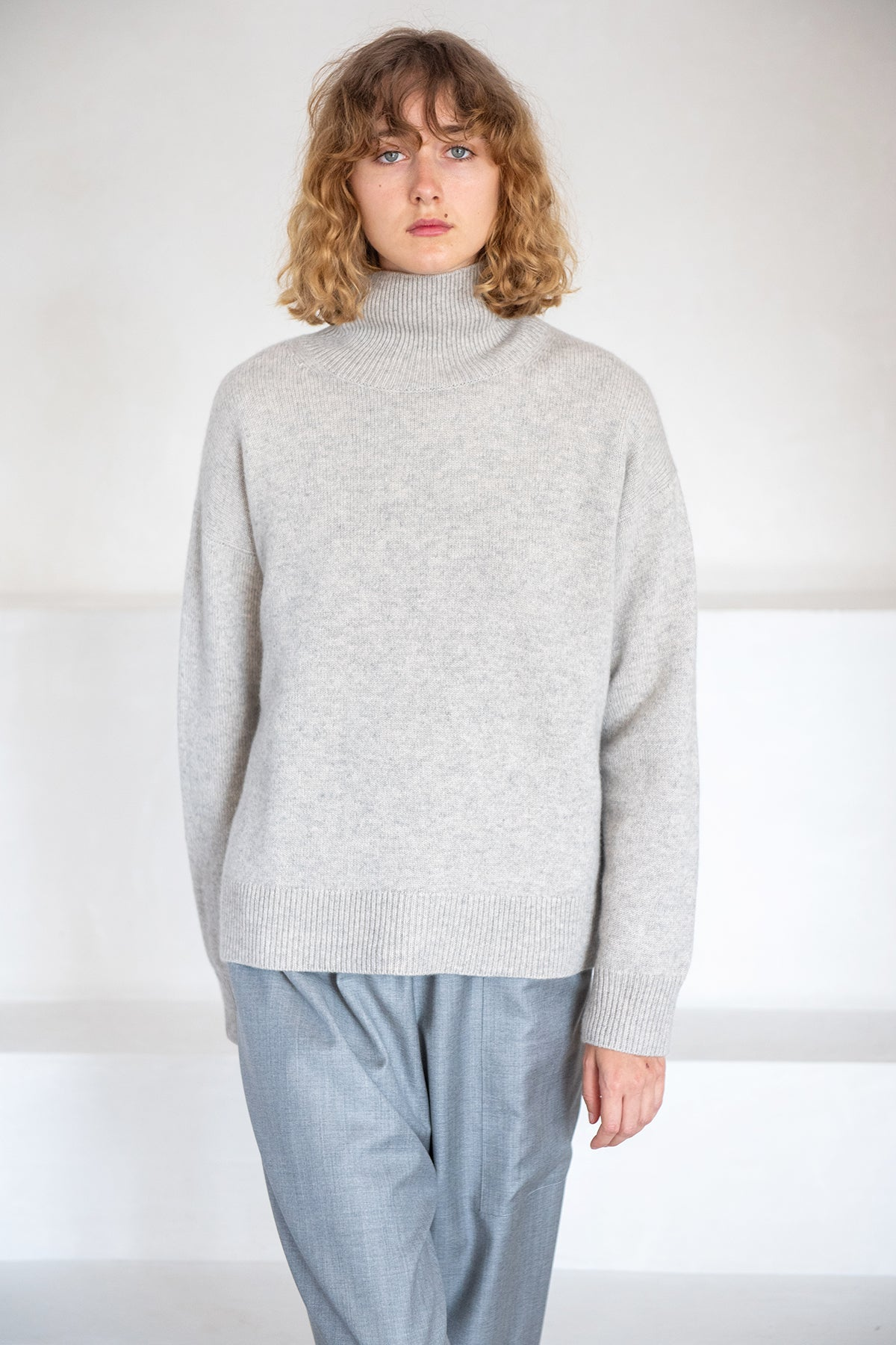 Sofie D'Hoore - MOORE 3 ply cashmere turtleneck, silver