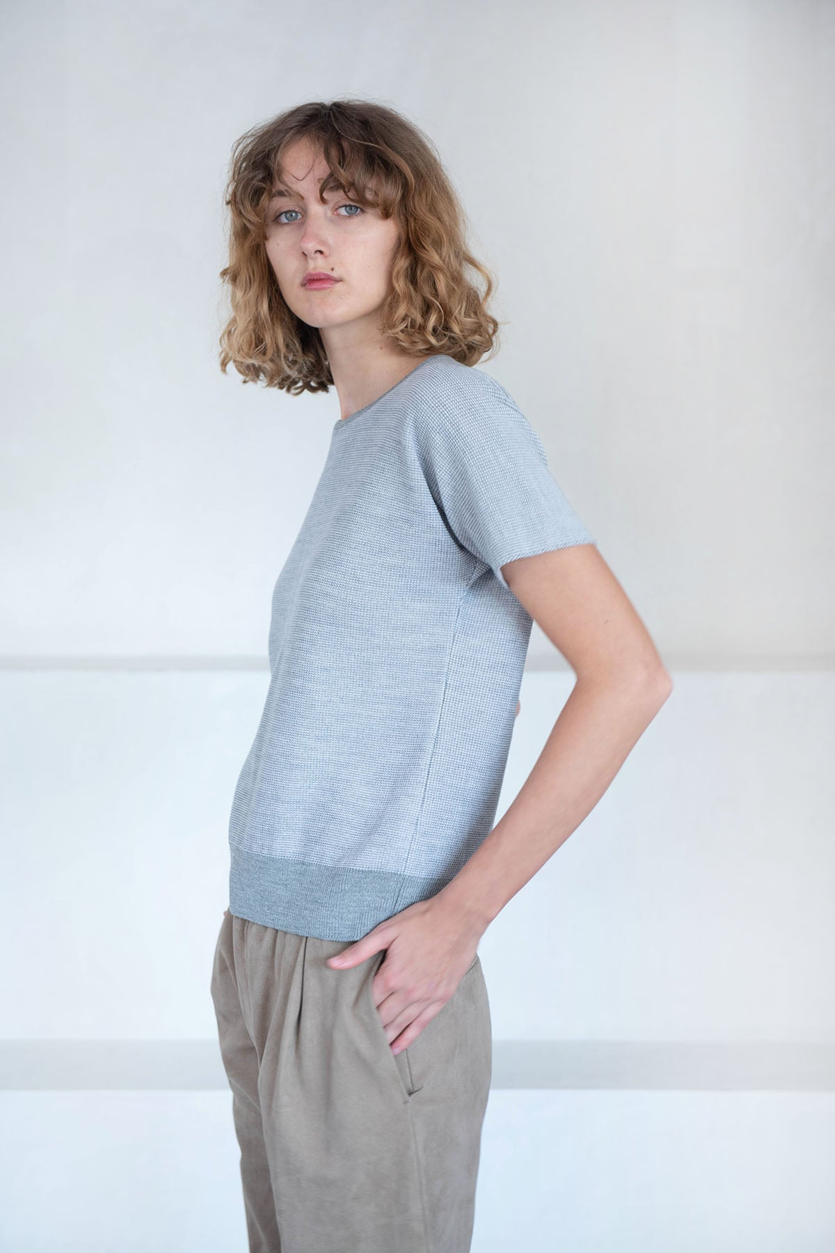 Stephan Schneider - t-trouper knit top, grey