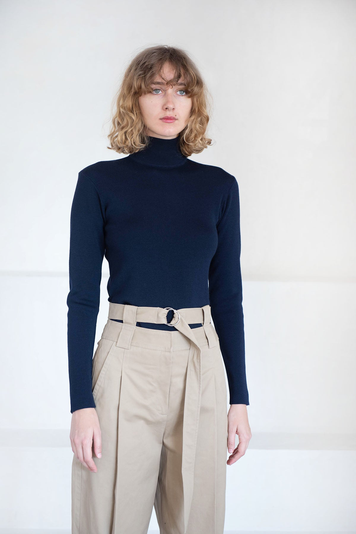 Stephan Schneider - queen jumper, navy