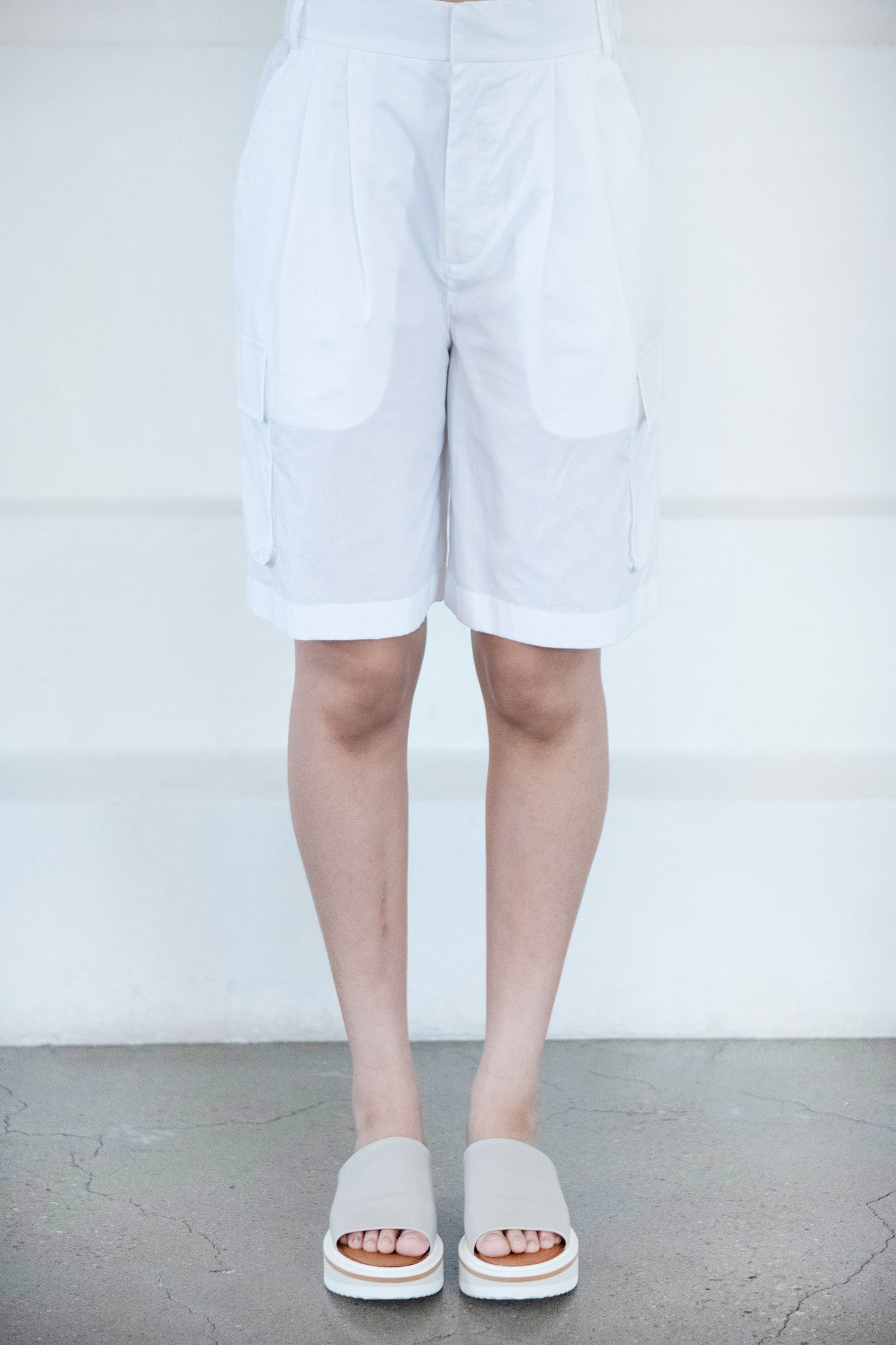 TIBI - vintage pull on cargo shorts, white