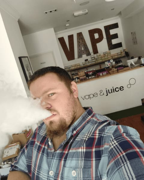 Part 4 - Wings an Dat - Mitch at Barking's Vape and Juice Shop - Face behind the clouds