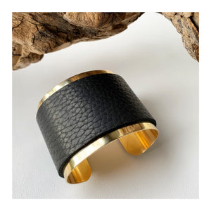 Brass and Motorcycle Leather Bracelet | flat