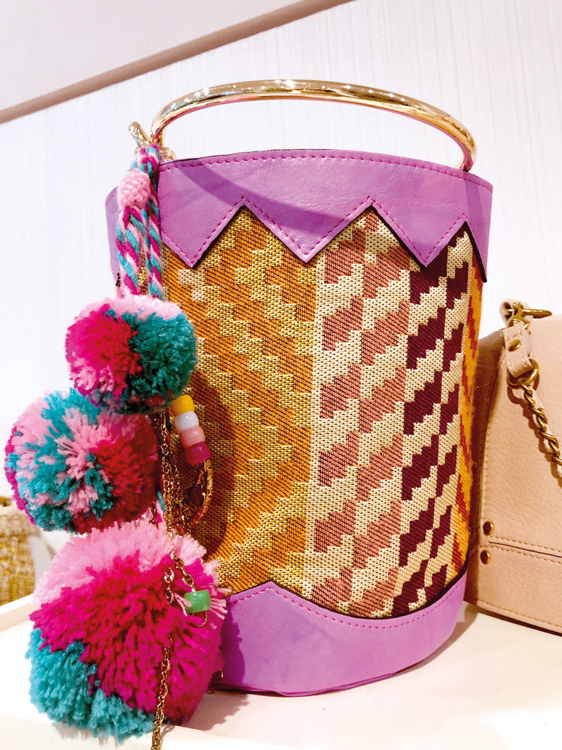 Bucket Bag Pom Poms Pink