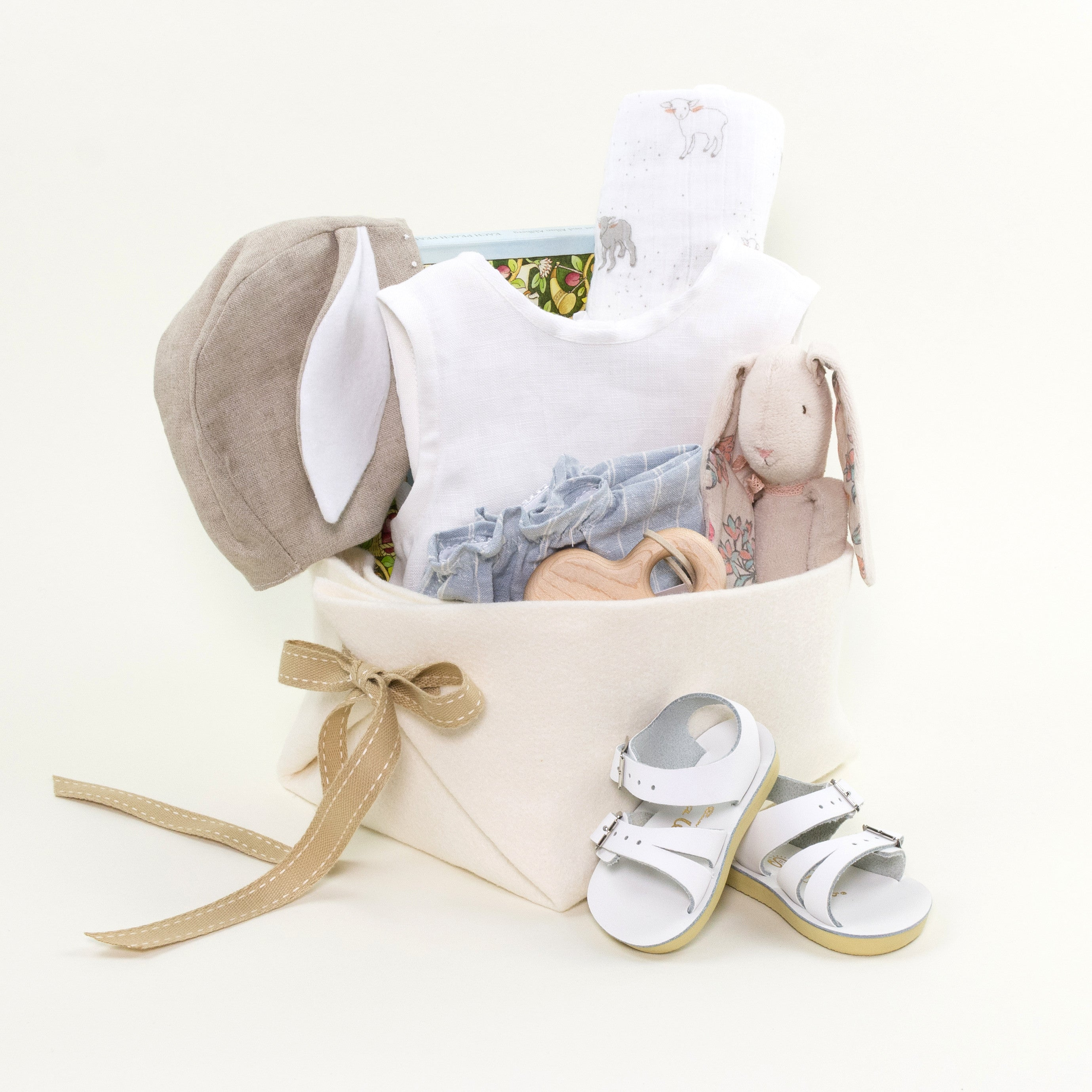 Luxury Neutral Baby Gift Basket by Bonjour Baby Baskets