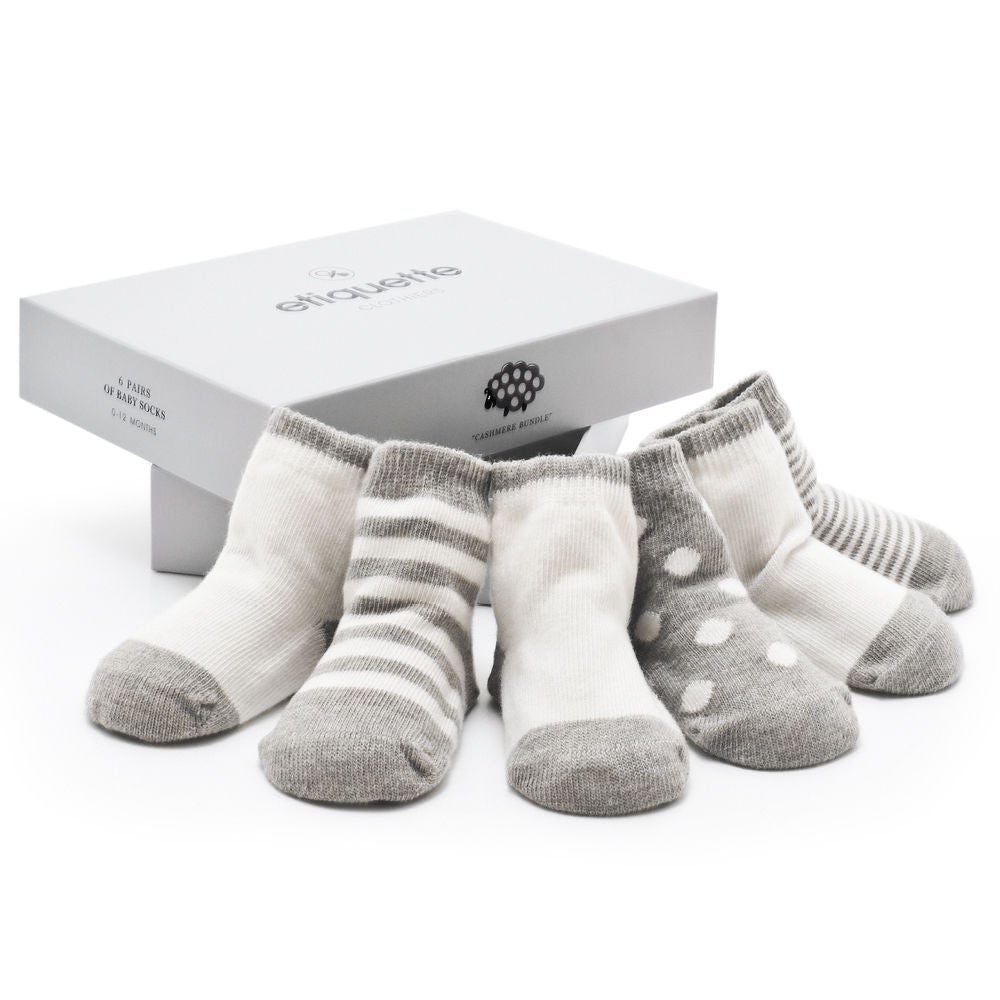 Luxurious Cashmere Baby Socks in a neutral Grey