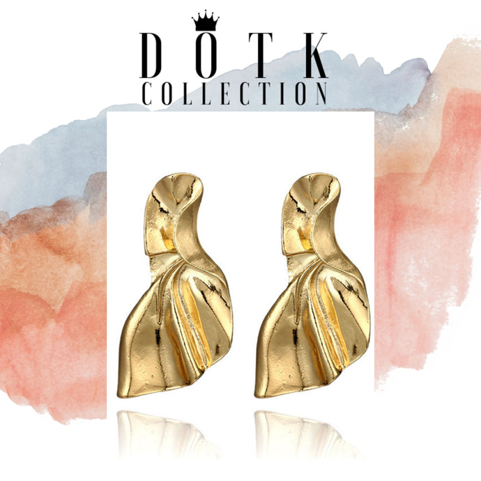 EARRINGS (Trophy Gold)