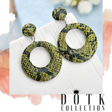 Load image into Gallery viewer, EARRINGS (Cobra Green)