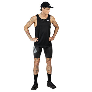 ランニングタイツ Short Eco Combat Tights - BLACK EMBOSSED [ユニセックス] FMRST02