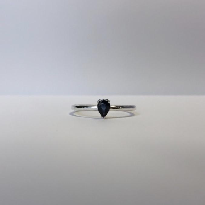 blue sapphire in silver